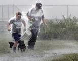 Vytiahnite dáždniky, po horúčavách na Slovensko mieria silné búrky: Pozrite sa, kedy to vypukne
