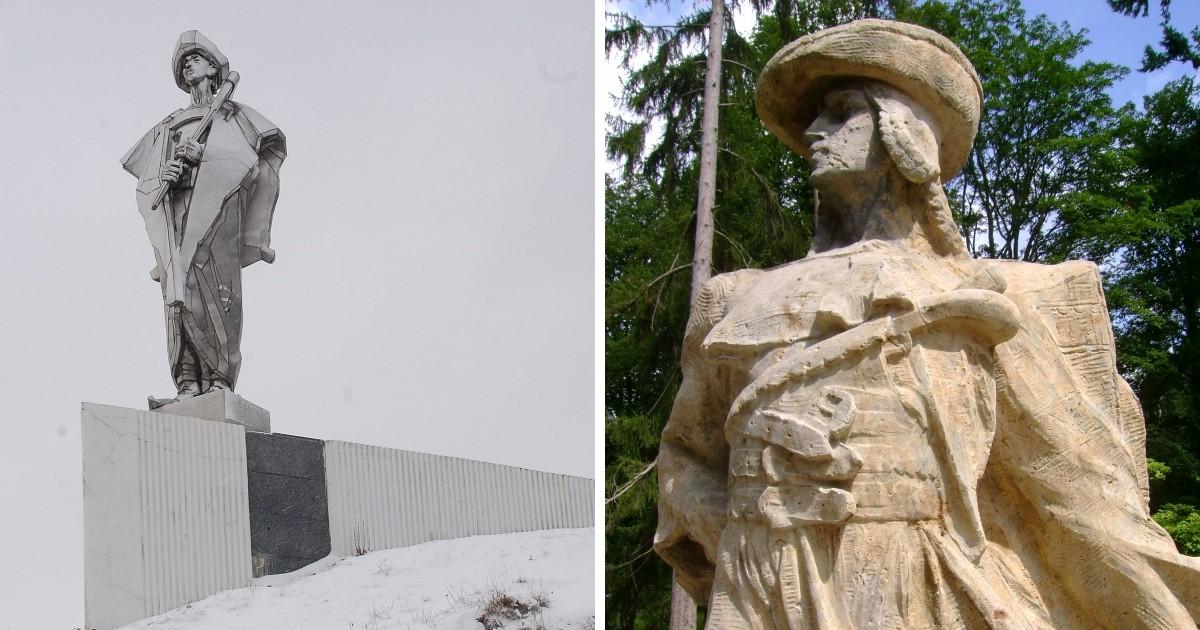 Vľavo socha Juraja Jánošíka nad Terchovou, jej autorom je Ján Kulich. Vpravo Jánošík od sochára Františka Úprka v Hořiciach.