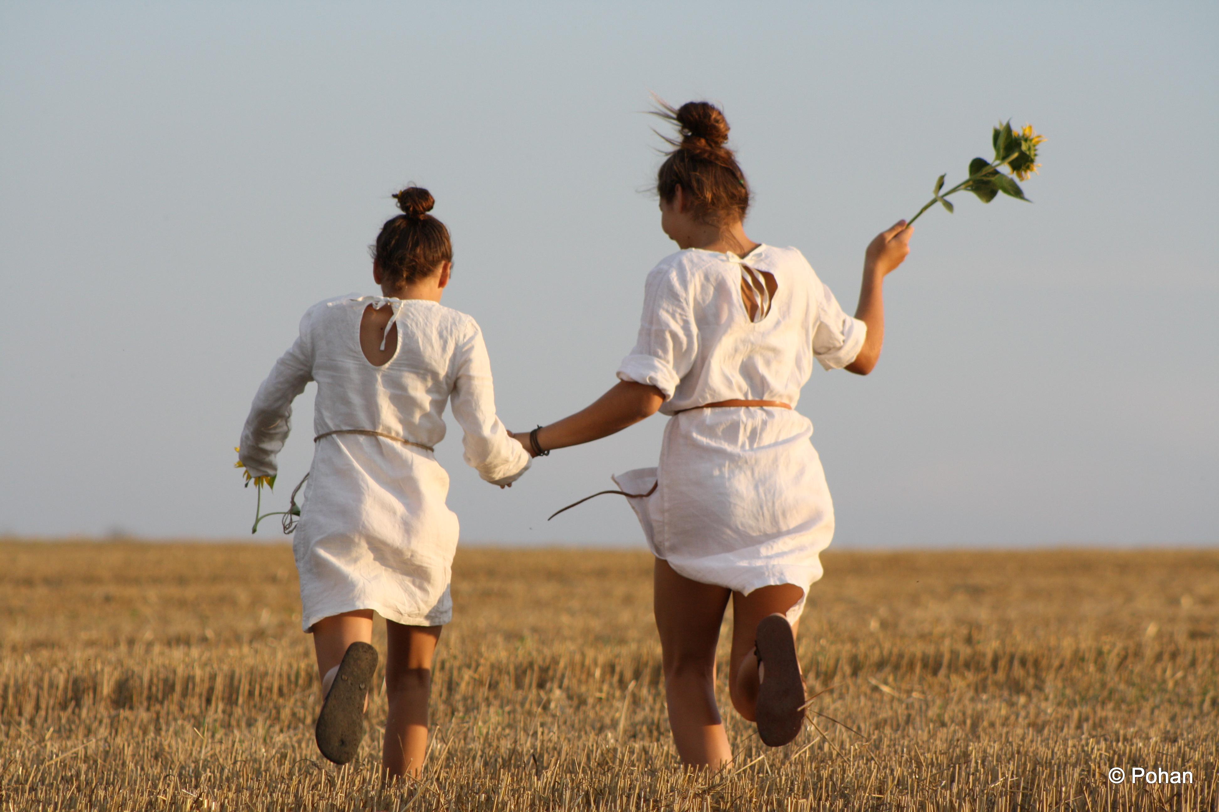 Oblečenie z prírodných materiálov je vzdušné a vhodné aj na leto.