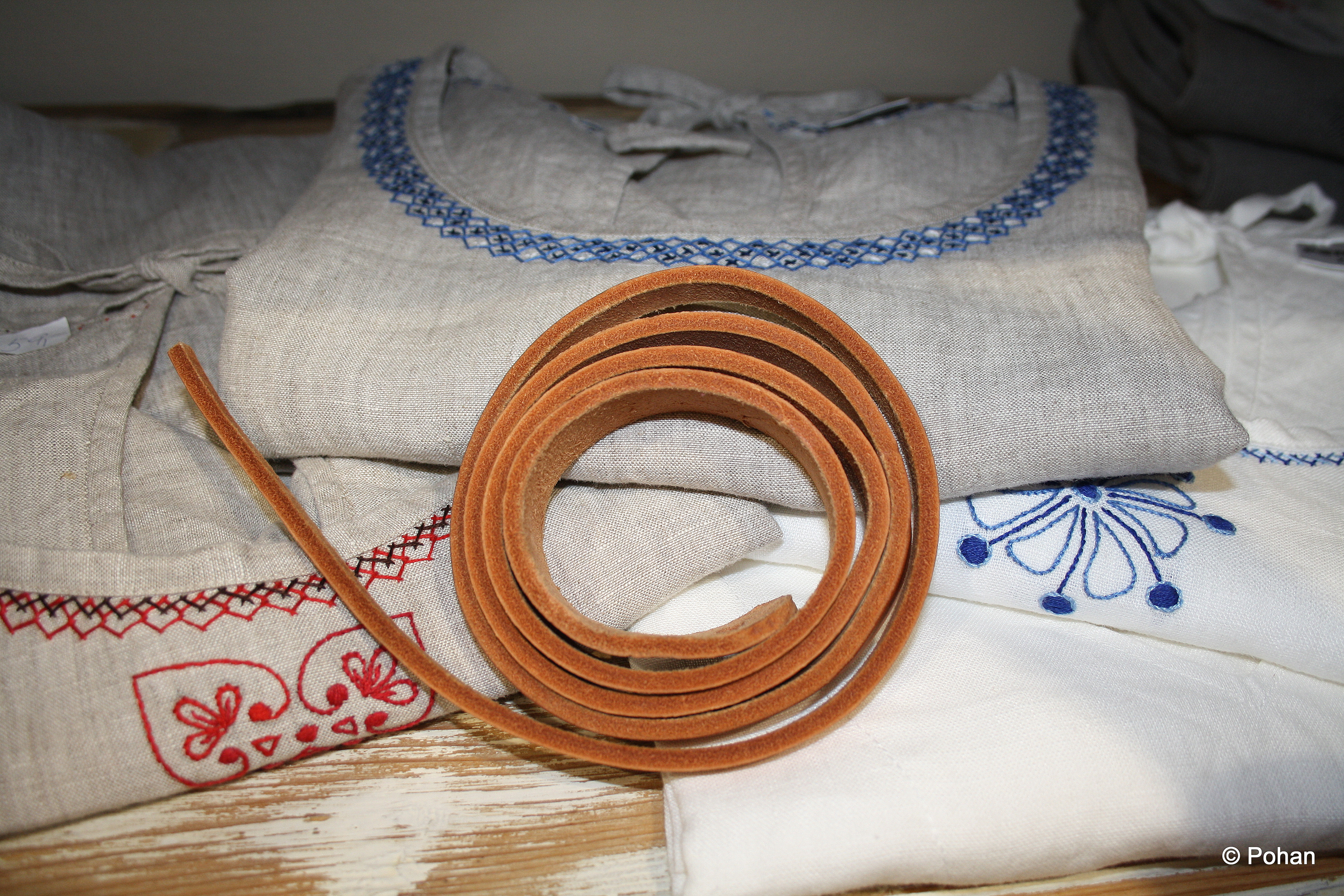Ľan, konope, vlna aj prírodná koža - to všetko ponúka značka Pohan.