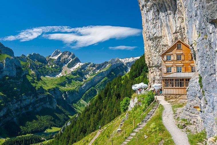Horská chata Aecher láka turistov z celého sveta.