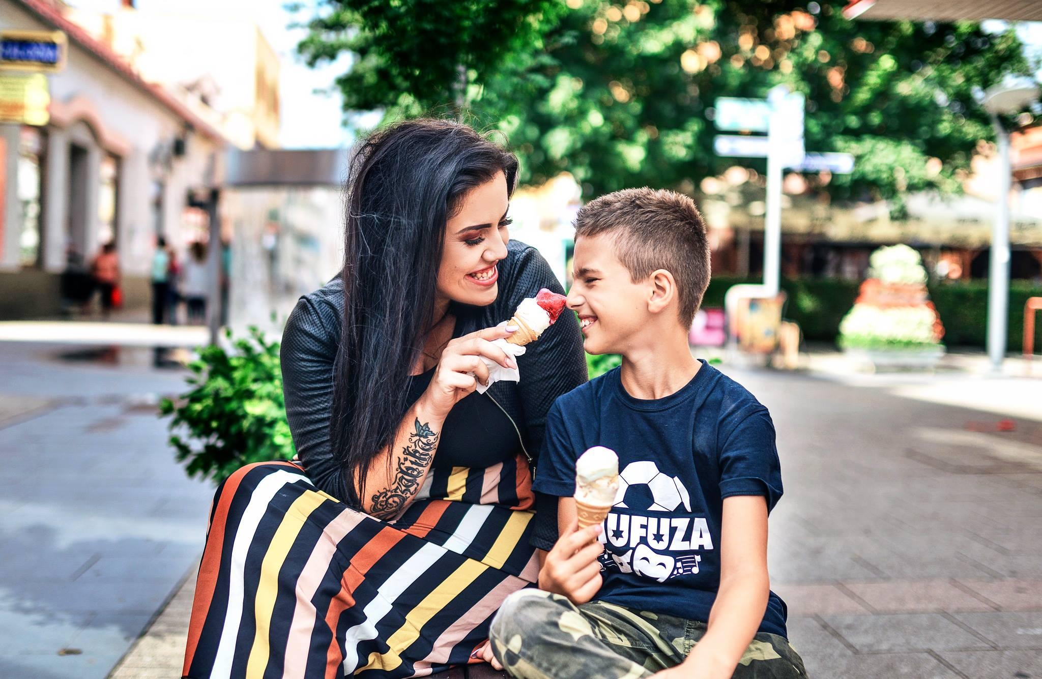 Kyra a jej deväťročný syn Szabi.