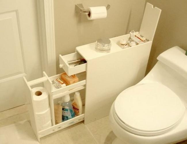 Úzka komoda môže nájsť uplatnenie v kúpeľni alebo na toalete.